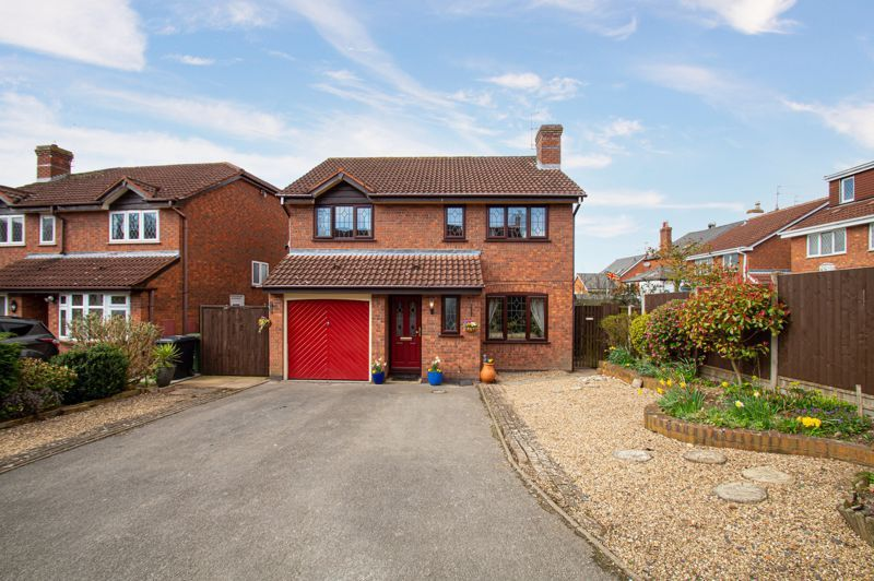 4 bed house for sale in Western Hill Close 1
