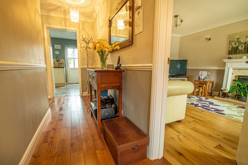 4 bed house for sale in Western Hill Close 15