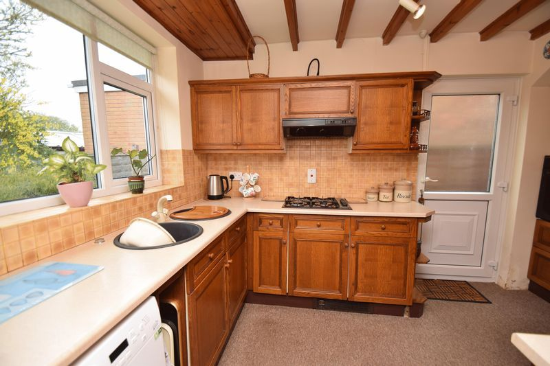 2 bed bungalow for sale in Stourton Crescent 4