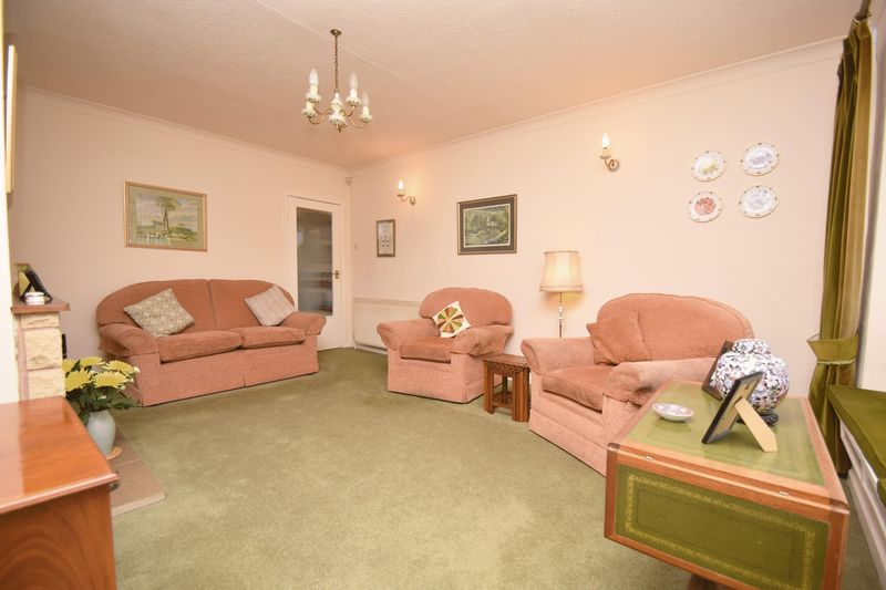 2 bed bungalow for sale in Stourton Crescent 6