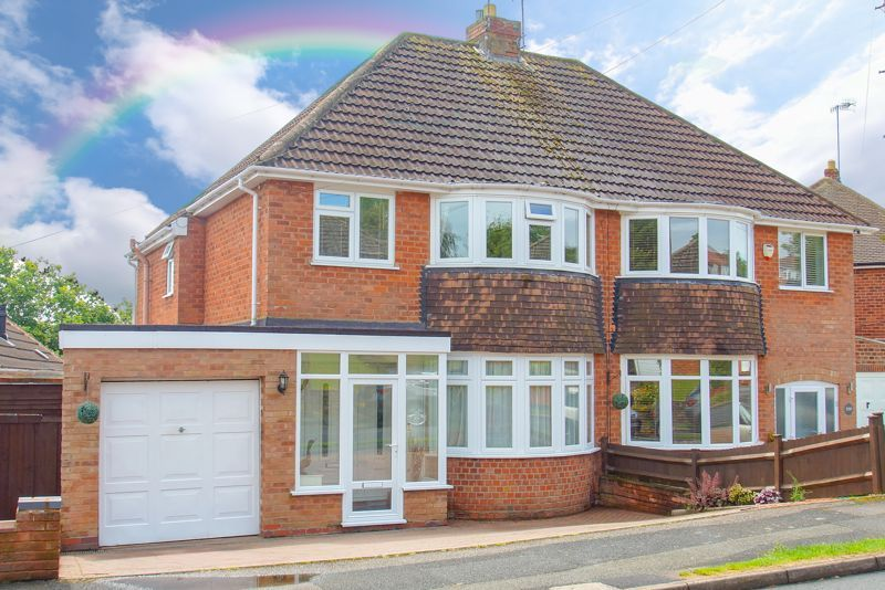 3 bed house for sale in Malvern Road 1