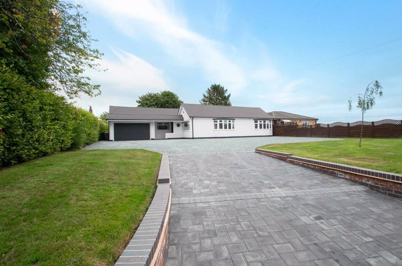 4 bed bungalow for sale in Belbroughton Road 1