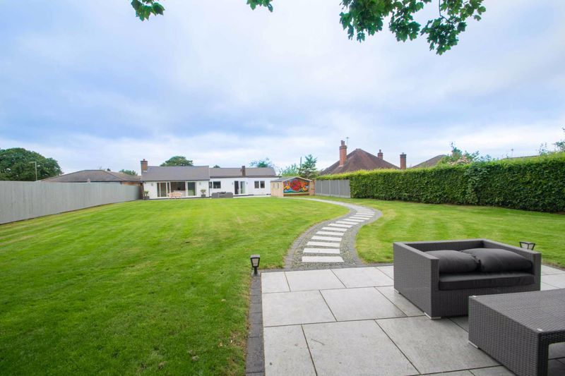 4 bed bungalow for sale in Belbroughton Road 13