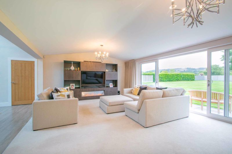 4 bed bungalow for sale in Belbroughton Road 3