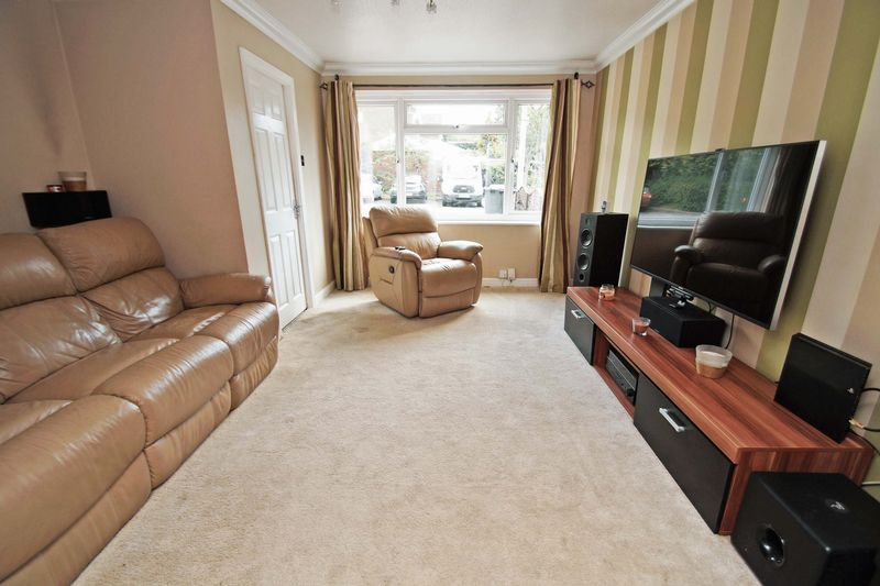 4 bed house for sale in Meriden Close  - Property Image 4