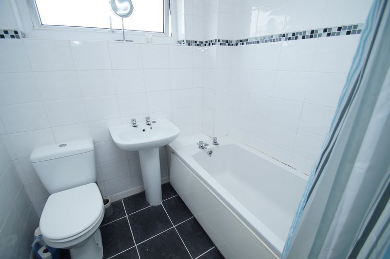 4 bed house for sale in Meriden Close  - Property Image 5