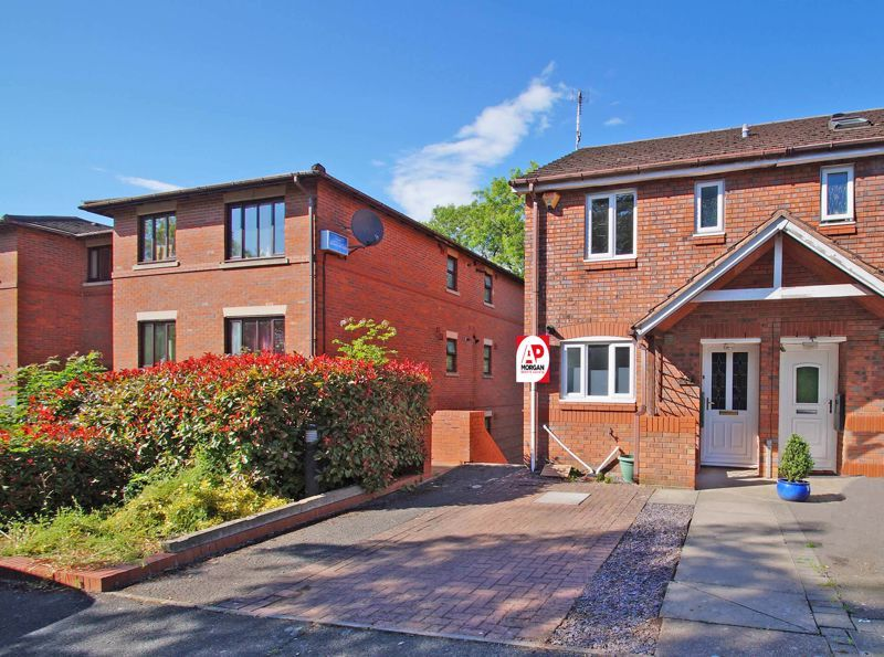 3 bed house for sale in Minworth Close 1