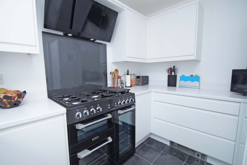 3 bed house for sale in Minworth Close 3