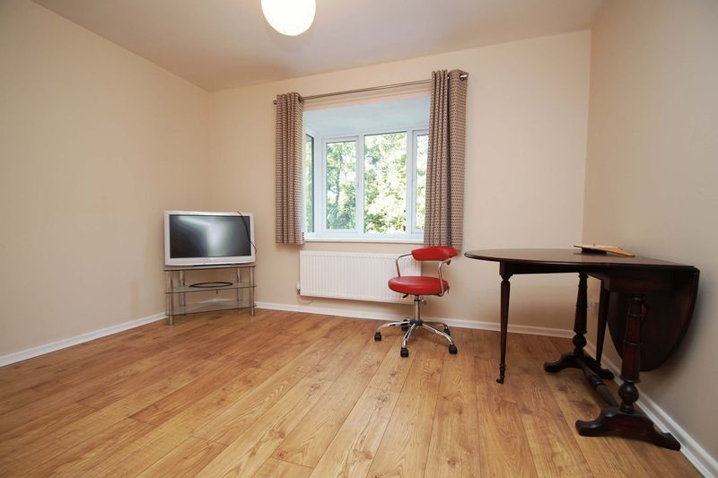3 bed house for sale in Minworth Close 6