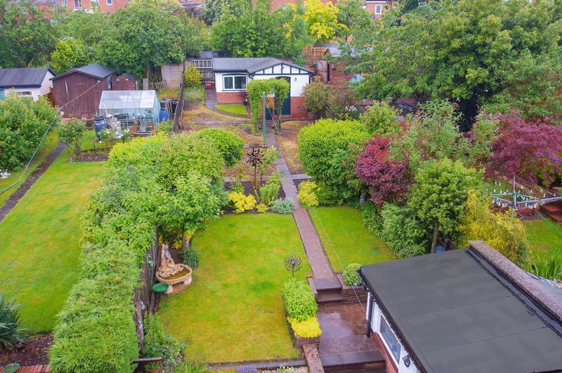 3 bed house for sale in Clive Road  - Property Image 2