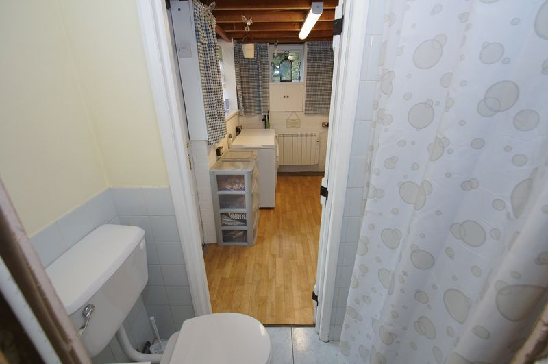 3 bed house for sale in Clive Road 11