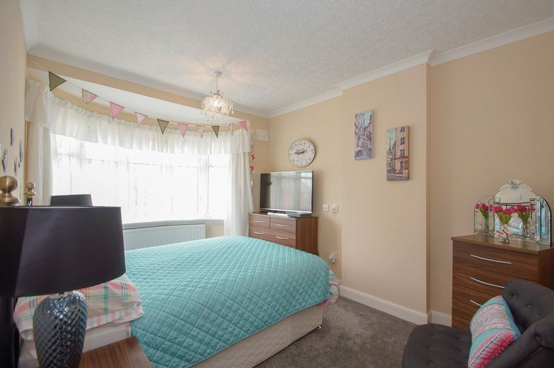 3 bed house for sale in Clive Road 13