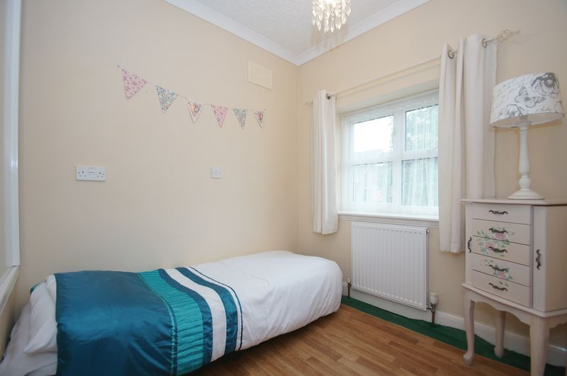 3 bed house for sale in Clive Road 14