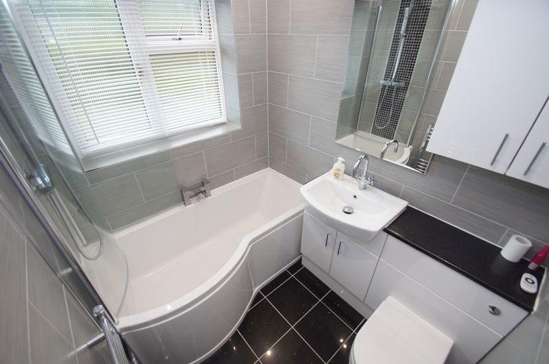 3 bed house for sale in Clive Road 15