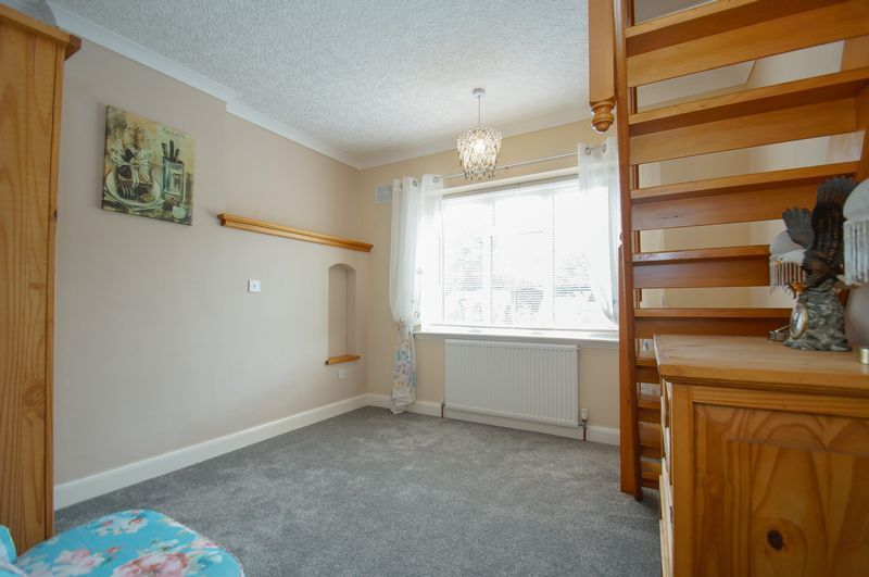 3 bed house for sale in Clive Road 16