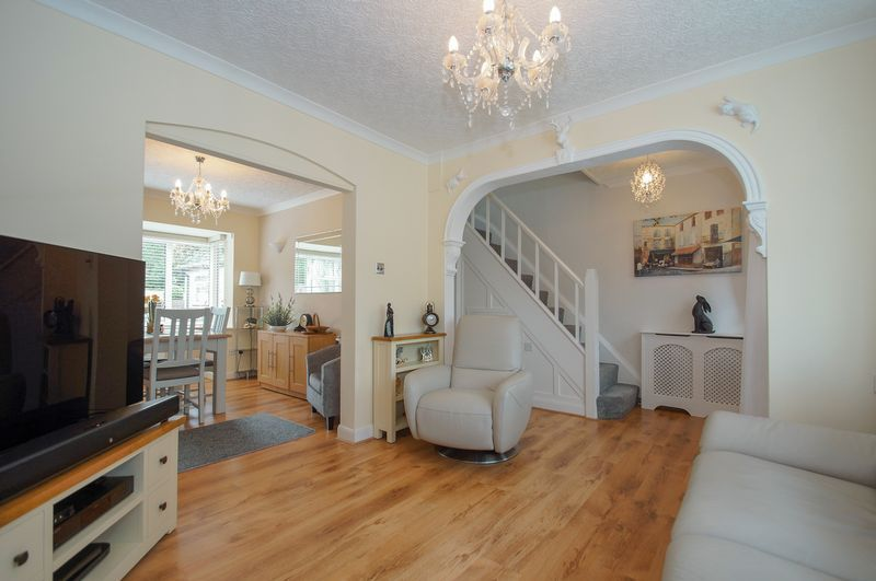 3 bed house for sale in Clive Road  - Property Image 3