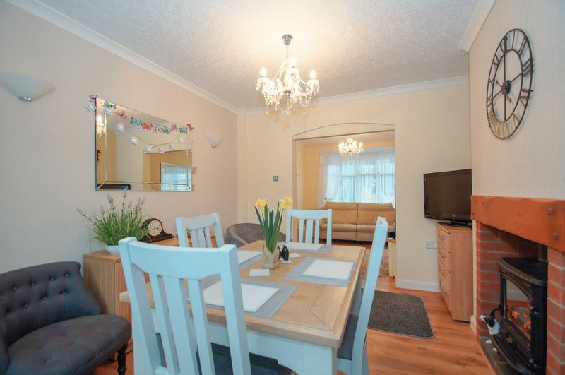 3 bed house for sale in Clive Road 6