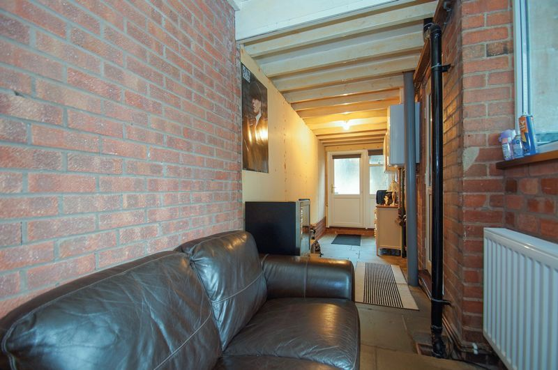3 bed house for sale in Clive Road 9