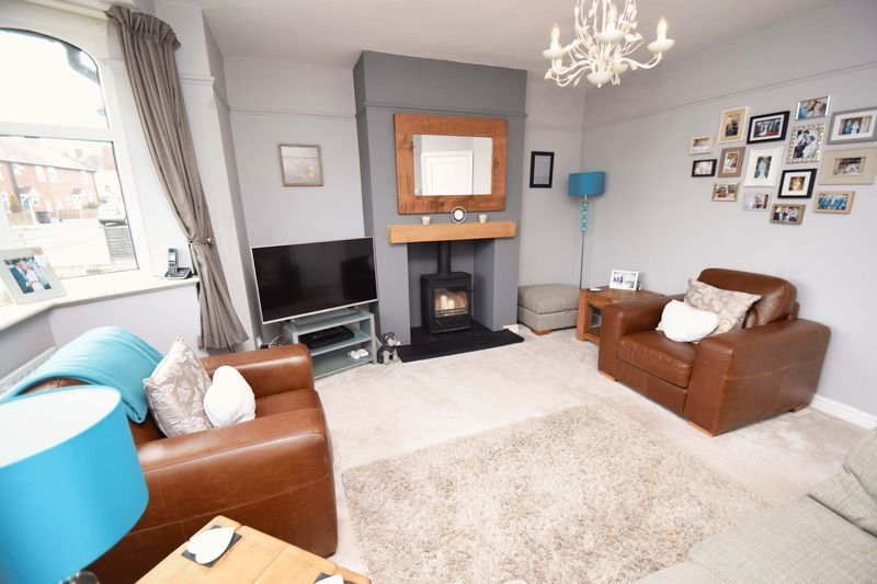3 bed house for sale in Lady Greys Walk 2