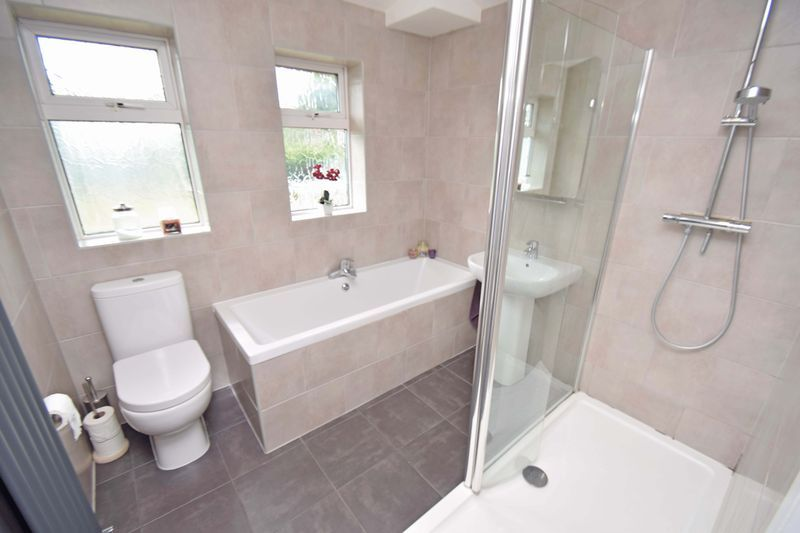 3 bed house for sale in Lady Greys Walk  - Property Image 14