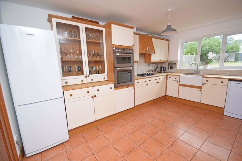 3 bed house for sale in Lady Greys Walk 6