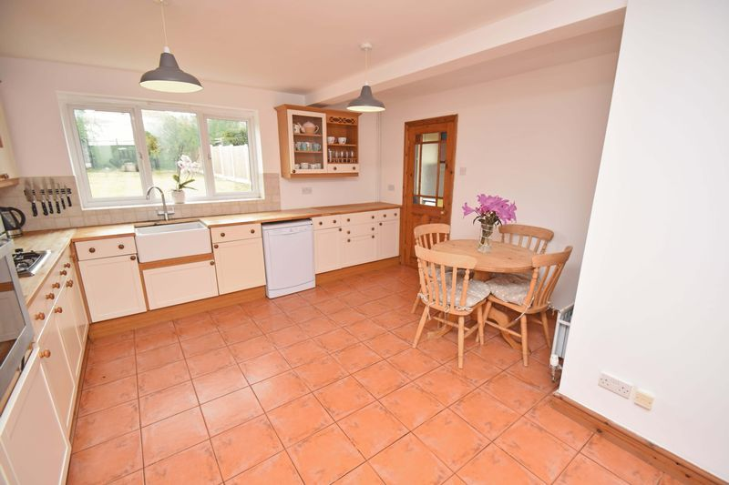 3 bed house for sale in Lady Greys Walk 7