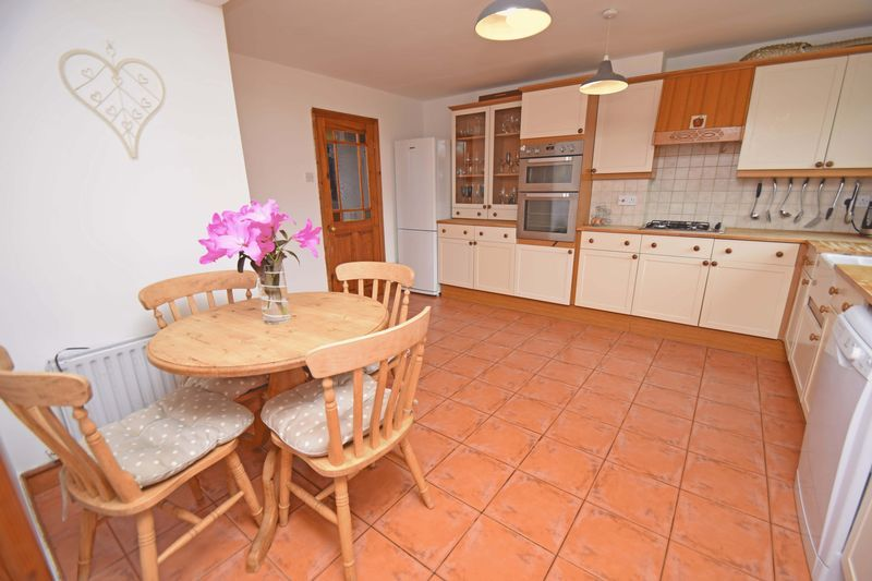 3 bed house for sale in Lady Greys Walk 8