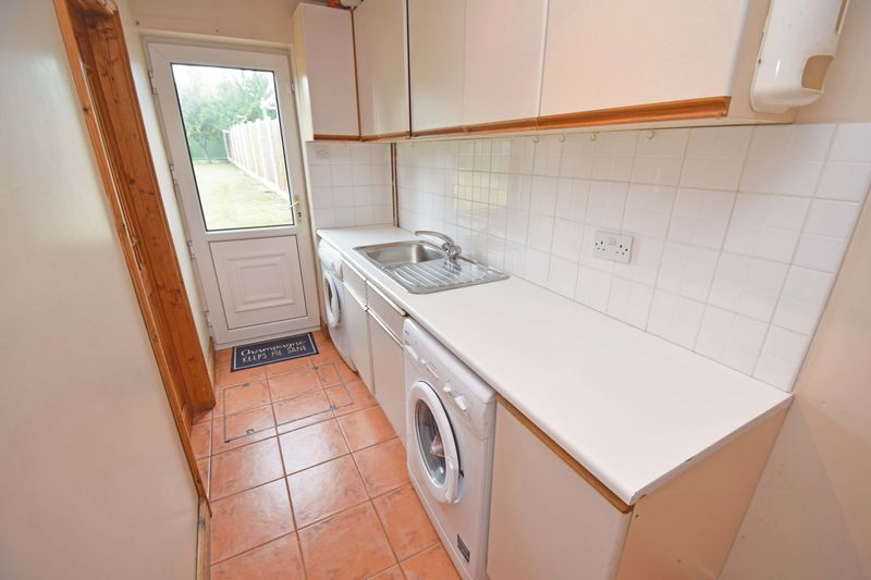 3 bed house for sale in Lady Greys Walk 9