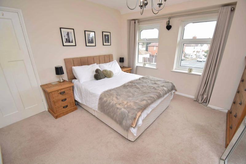3 bed house for sale in Lady Greys Walk 10