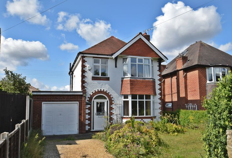3 bed house for sale in Chequers Lane 1