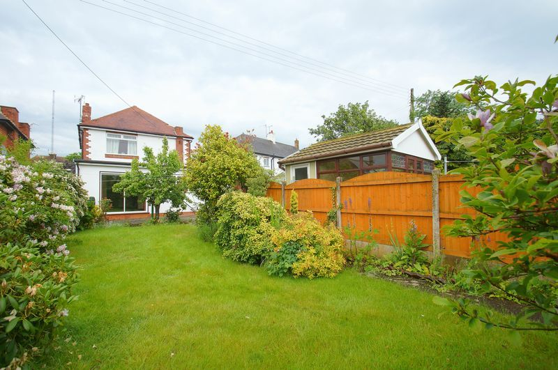 3 bed house for sale in Chequers Lane 12
