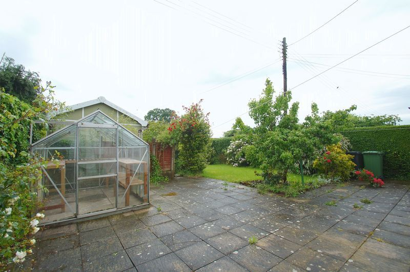 3 bed house for sale in Chequers Lane 14