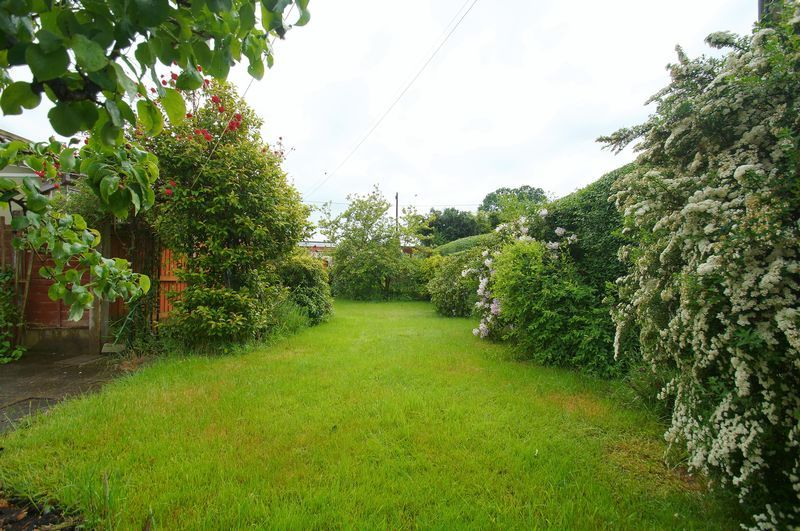 3 bed house for sale in Chequers Lane  - Property Image 15