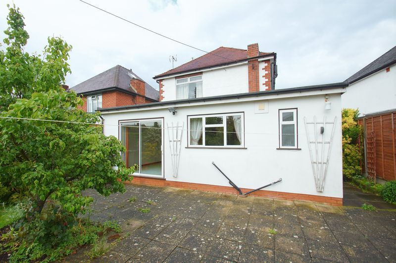 3 bed house for sale in Chequers Lane 16