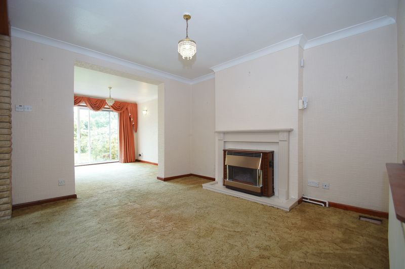 3 bed house for sale in Chequers Lane  - Property Image 3