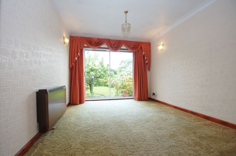 3 bed house for sale in Chequers Lane 5
