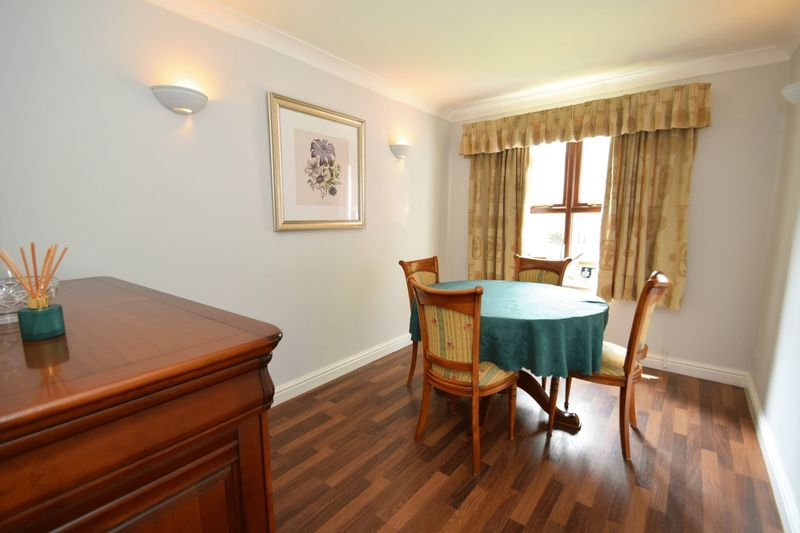 4 bed house for sale in Cathcart Road  - Property Image 5