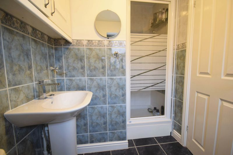 4 bed house for sale in Cathcart Road  - Property Image 10