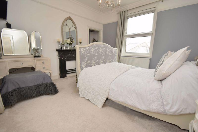 3 bed house for sale in Laurel Lane 11