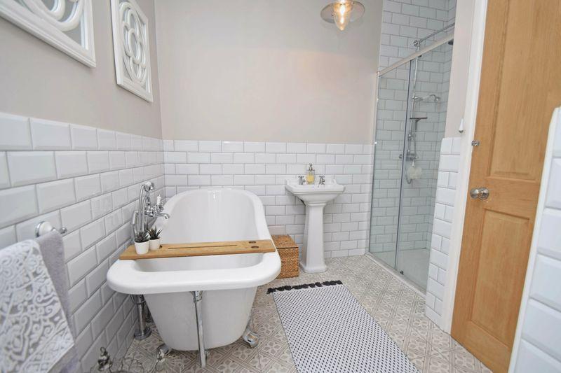 3 bed house for sale in Laurel Lane 15