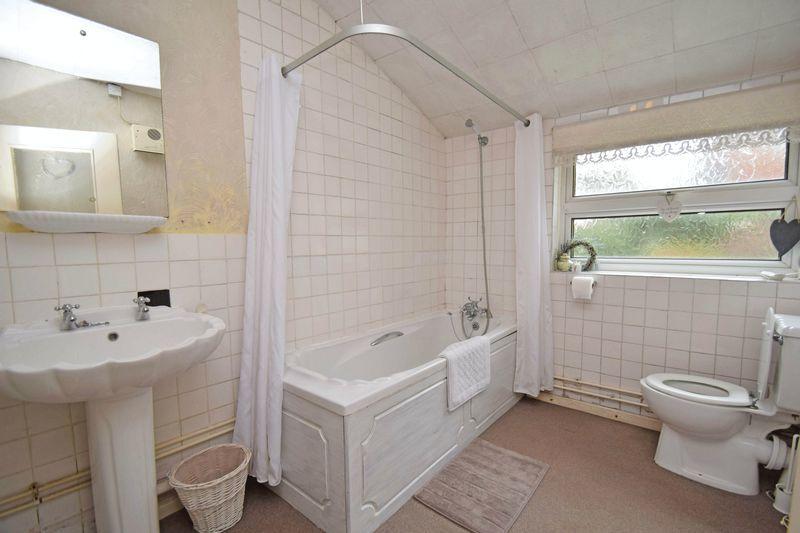 3 bed house for sale in Laurel Lane  - Property Image 10