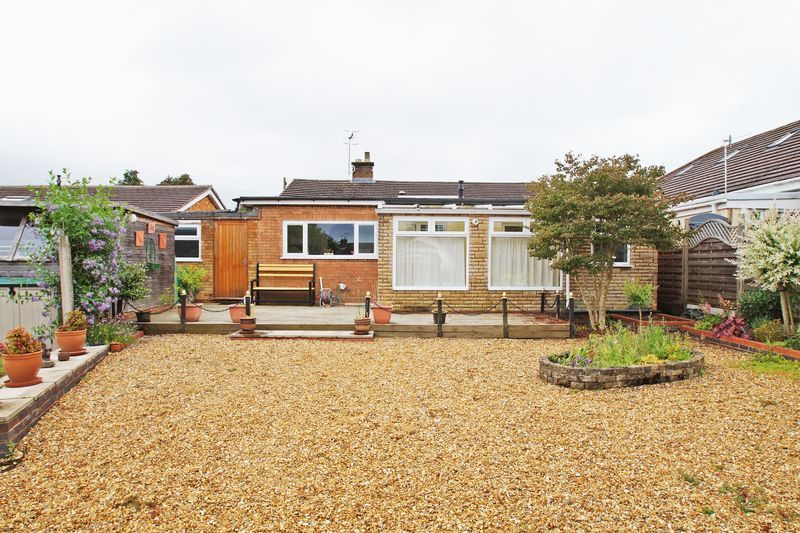 3 bed bungalow for sale in Cherry Crescent 16