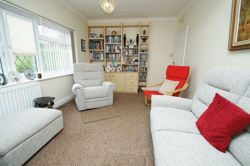 3 bed bungalow for sale in Cherry Crescent  - Property Image 3