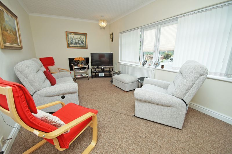 3 bed bungalow for sale in Cherry Crescent 4