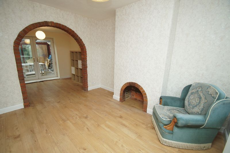 5 bed house for sale in Cleveland Street  - Property Image 3
