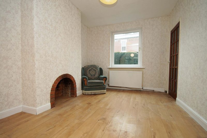 5 bed house for sale in Cleveland Street  - Property Image 4