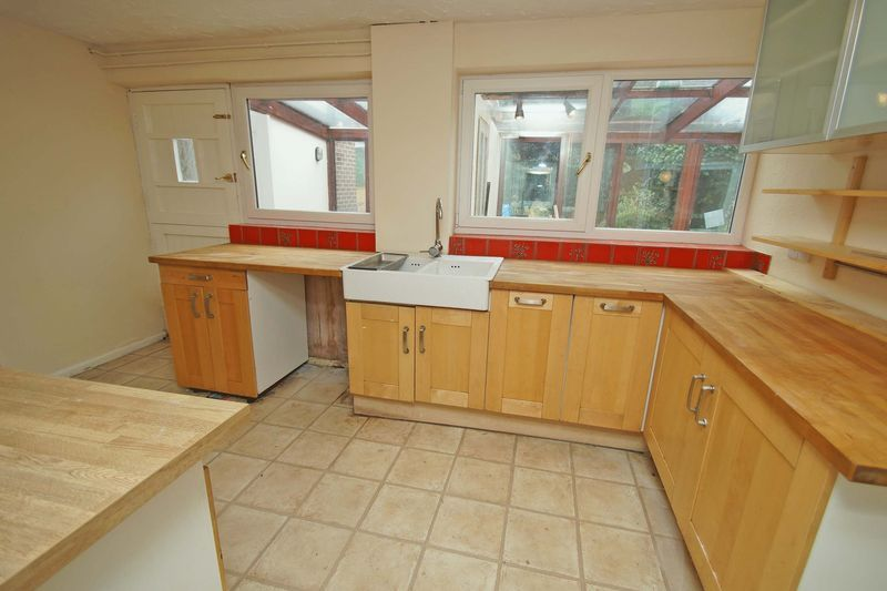 5 bed house for sale in Cleveland Street 7