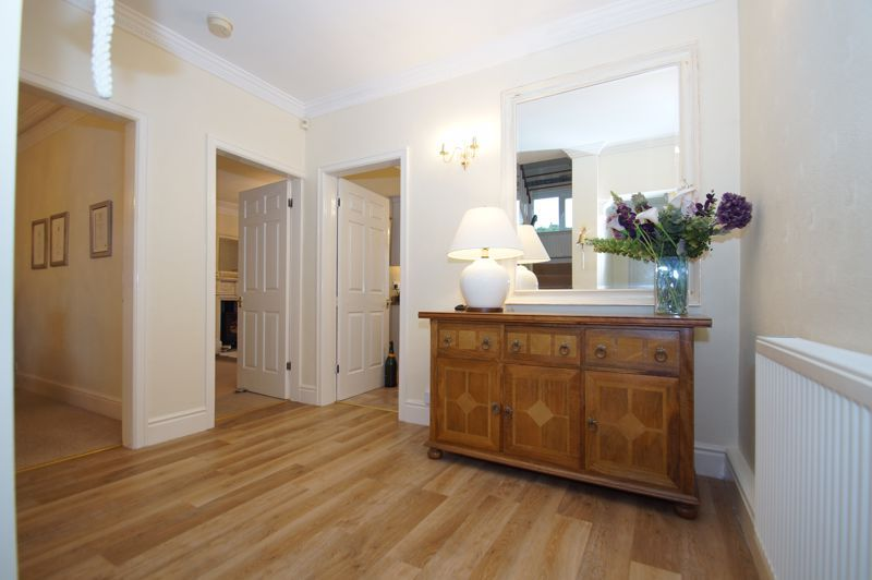 5 bed house for sale in Ham Lane 2