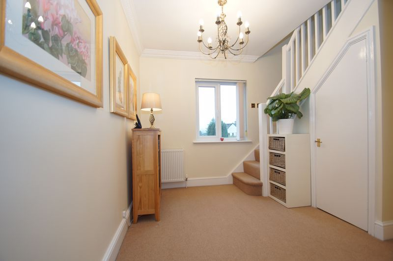 5 bed house for sale in Ham Lane 11