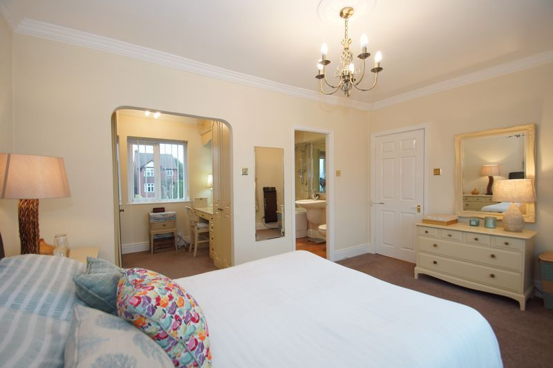 5 bed house for sale in Ham Lane 13